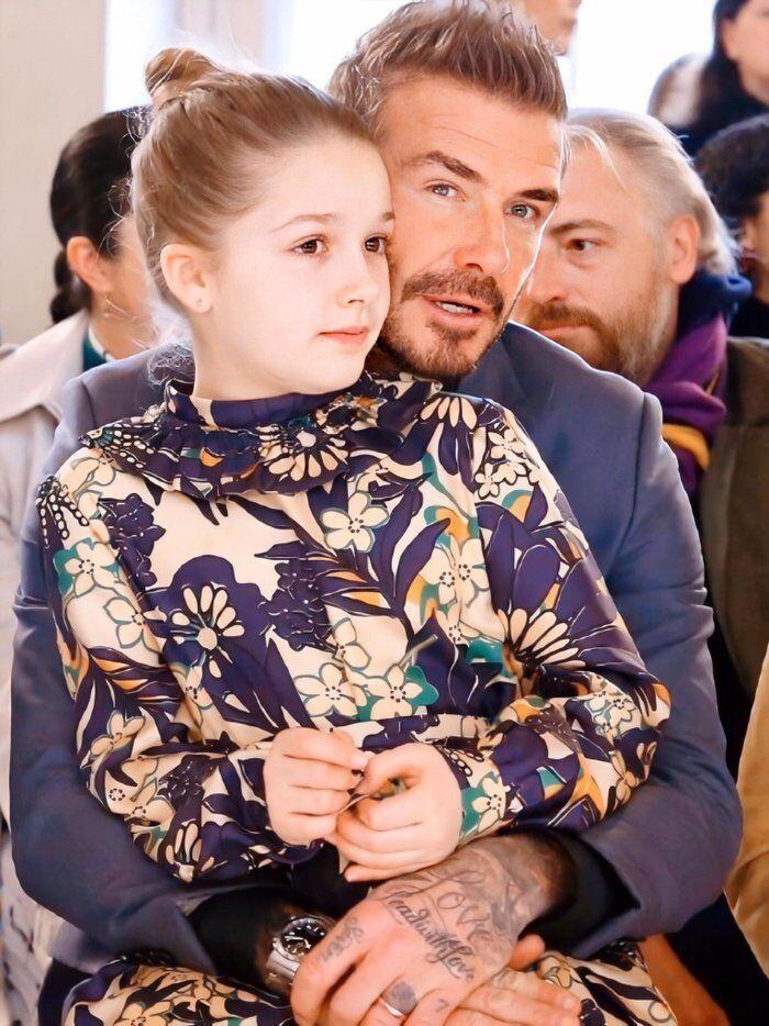 Tiểu công chúa nhà Beckham 'gây sốt' ở Tuần lễ thời trang London Ảnh 2