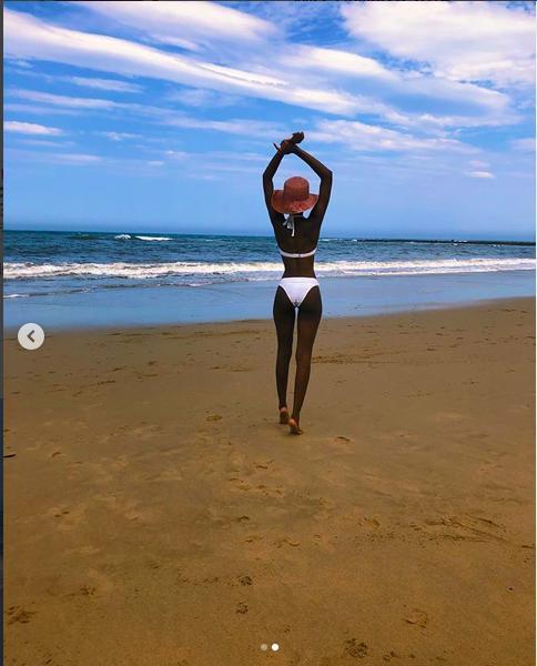Mặc bikini trắng, Miss Universe 2019 như ngọc đen đẹp sững sờ, fan choáng váng với body Ảnh 3