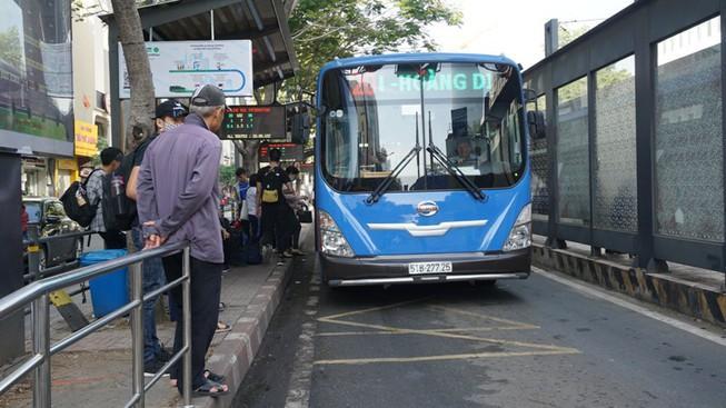 Mùa COVID-19, khách đi xe buýt giảm 44% Ảnh 1