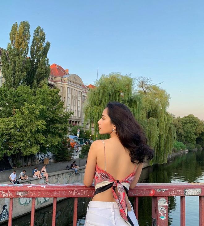 Xu hướng quấn khăn thành áo được Jennie và các hot girl Việt ưa chuộng Ảnh 8