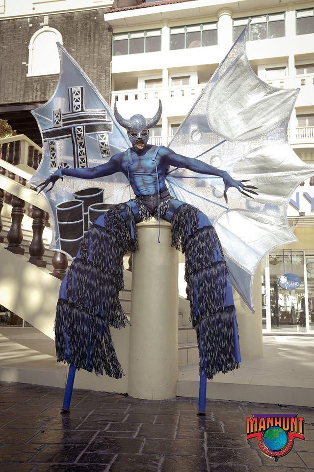 Phạm Đình Lĩnh diện National Costume áo dài độc đáo, được dự đoán đăng quang Manhunt International 2020 Ảnh 10