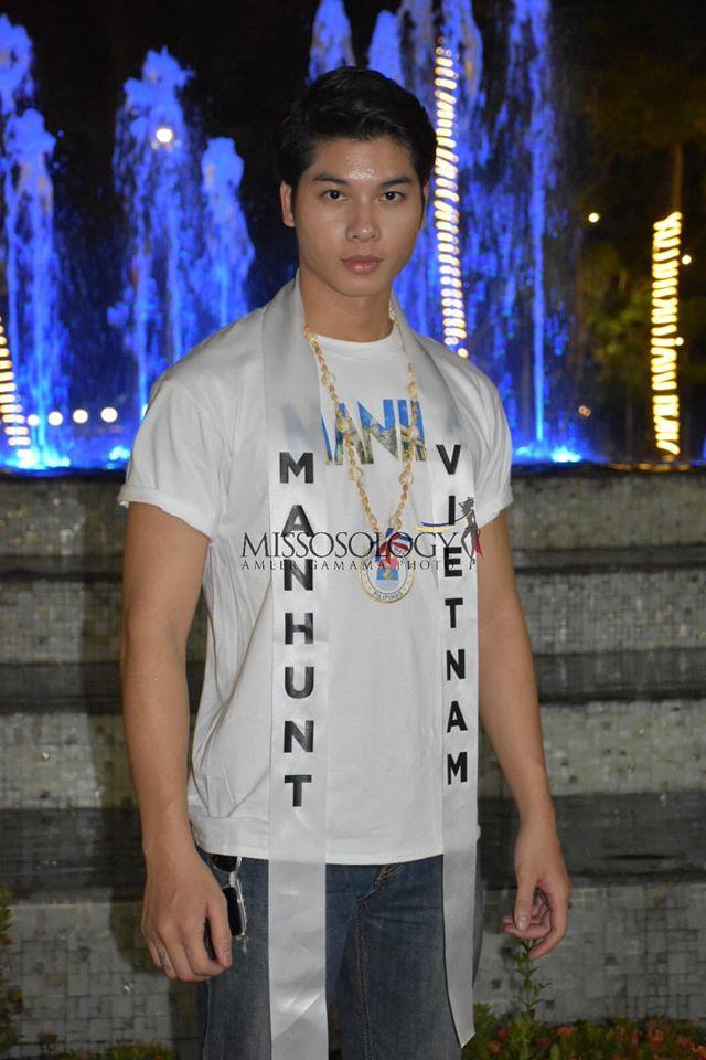 Phạm Đình Lĩnh diện National Costume áo dài độc đáo, được dự đoán đăng quang Manhunt International 2020 Ảnh 13