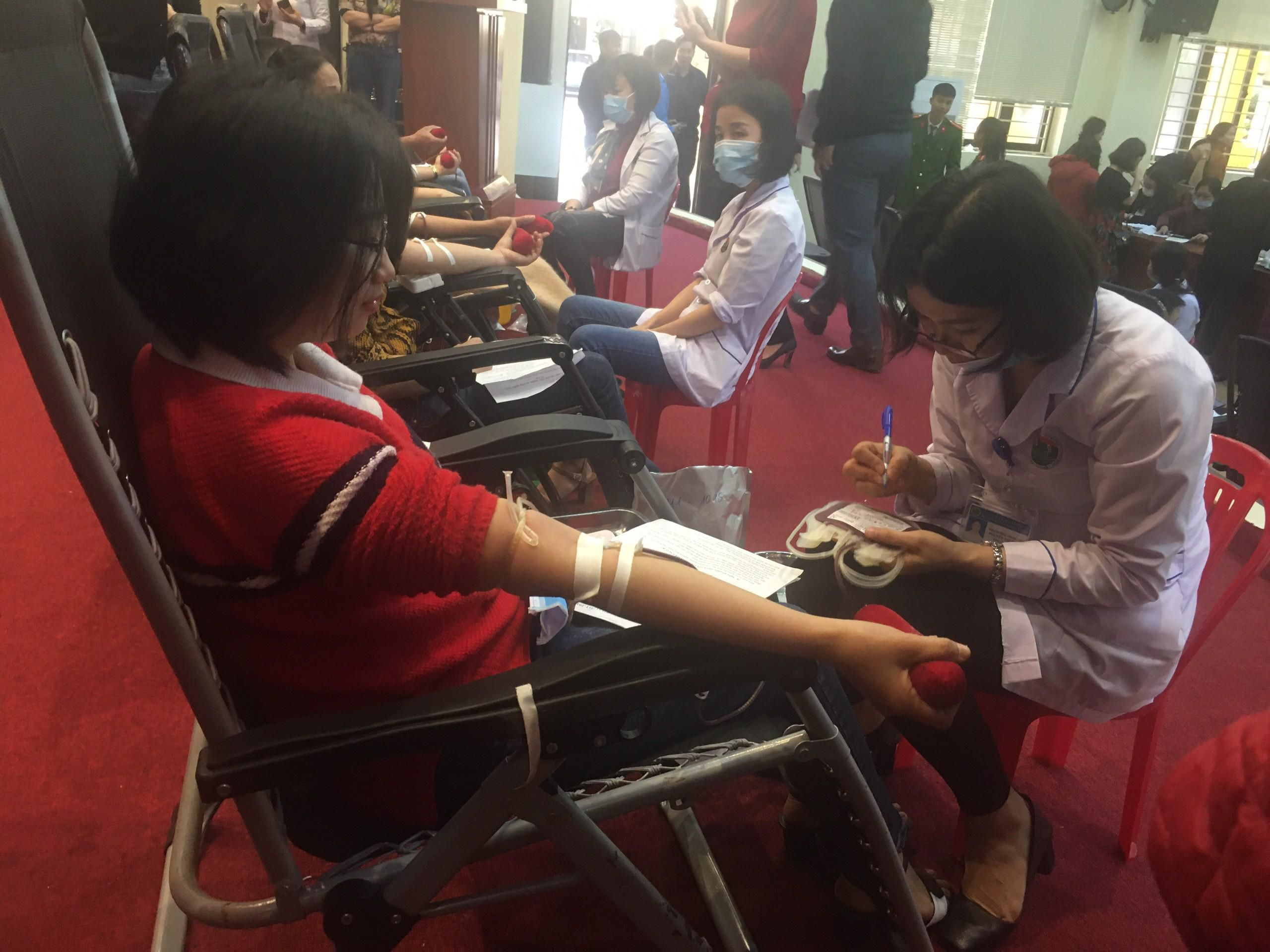 Sôi nổi ngày hội 'Giọt máu hồng tình nguyện' năm 2020 Ảnh 1