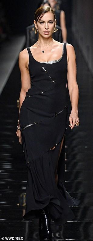 'Chân dài' Irina Shayk khoe dáng 'bốc lửa', kiêu sa trên sàn catwalk Ảnh 2