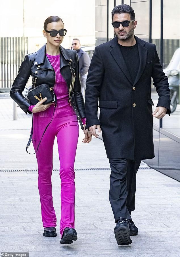 'Chân dài' Irina Shayk khoe dáng 'bốc lửa', kiêu sa trên sàn catwalk Ảnh 8