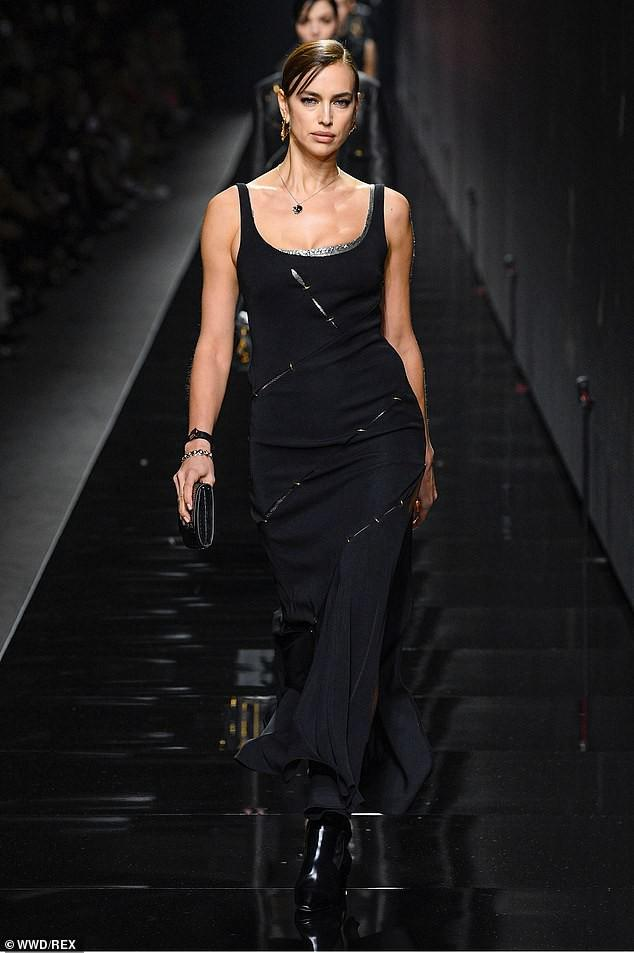 'Chân dài' Irina Shayk khoe dáng 'bốc lửa', kiêu sa trên sàn catwalk Ảnh 3