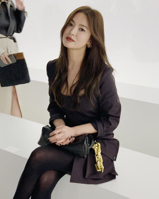 Song Hye Kyo đẹp ma mị với phong cách khác lạ hậu ly hôn Ảnh 1