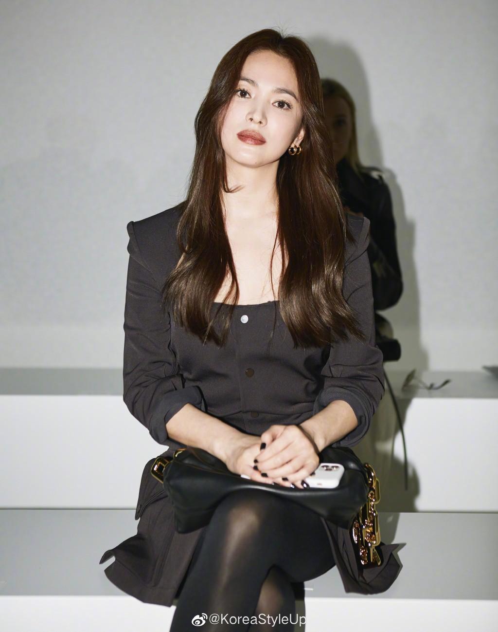 Song Hye Kyo đẹp ma mị với phong cách khác lạ hậu ly hôn Ảnh 2