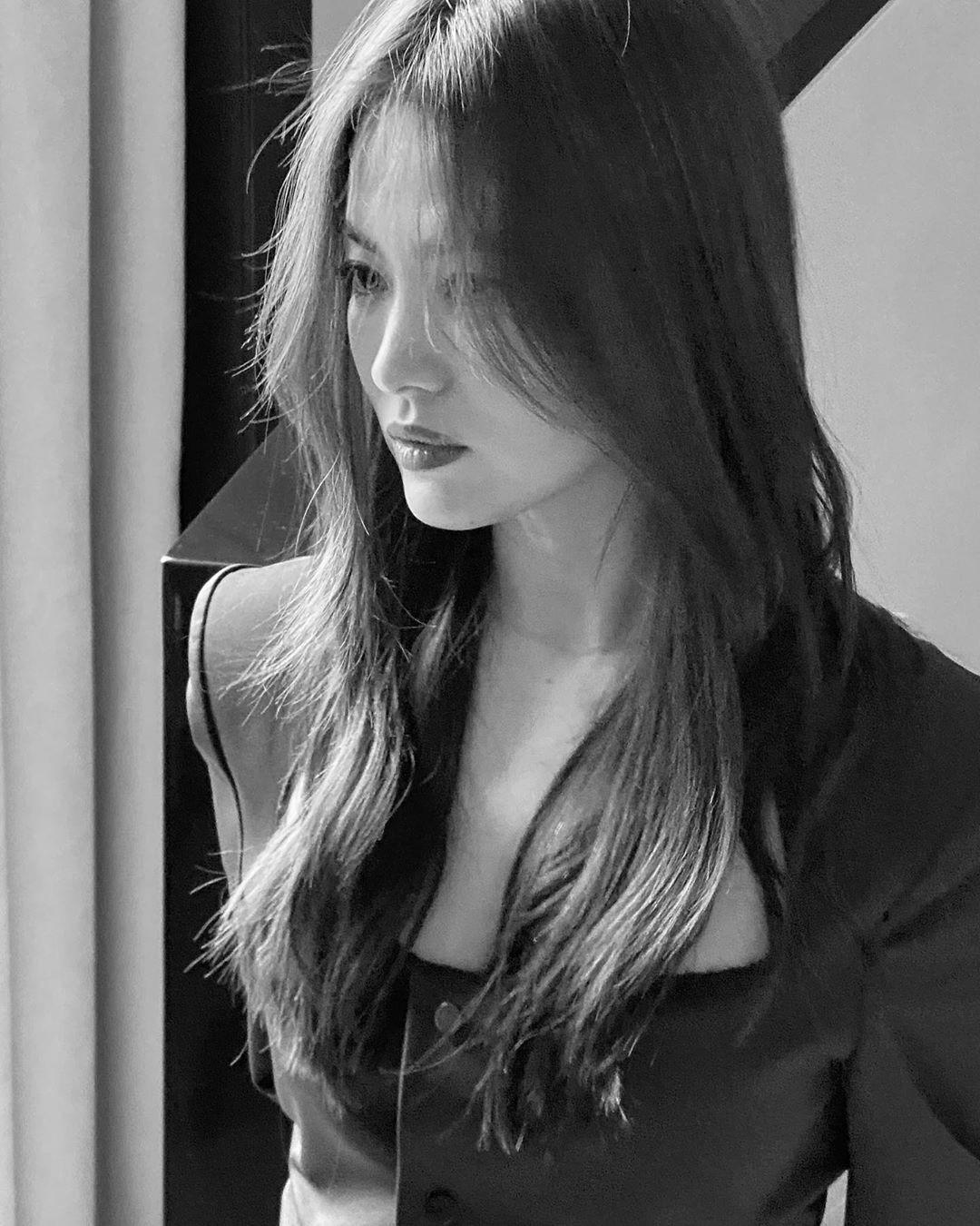 Song Hye Kyo đẹp ma mị với phong cách khác lạ hậu ly hôn Ảnh 8