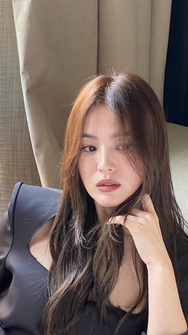 Song Hye Kyo đẹp ma mị với phong cách khác lạ hậu ly hôn Ảnh 5