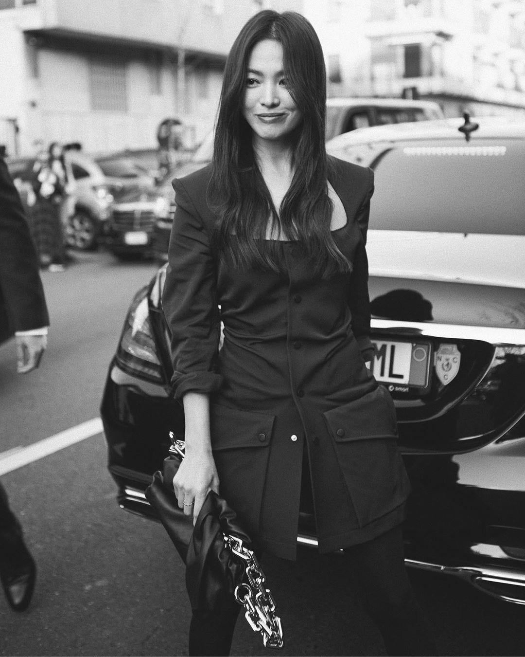 Song Hye Kyo đẹp ma mị với phong cách khác lạ hậu ly hôn Ảnh 9