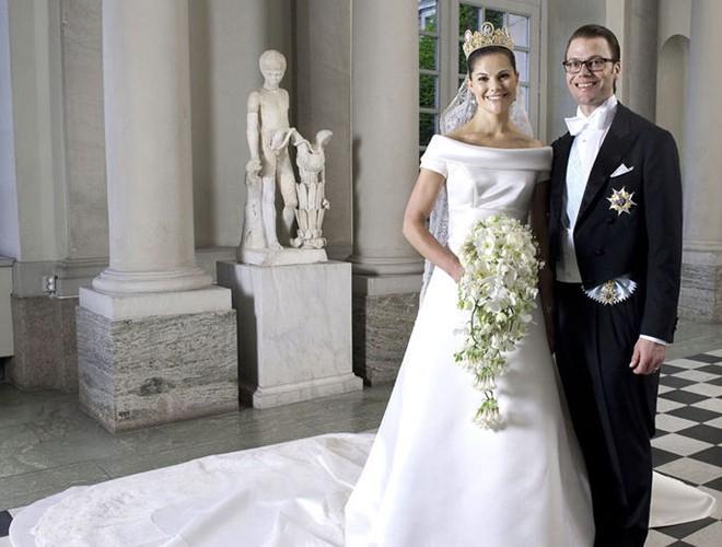 Chiêm ngưỡng 12 mẫu váy cưới đẹp nhất trong lịch sử Hoàng gia các nước Ảnh 13
