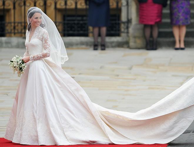 Chiêm ngưỡng 12 mẫu váy cưới đẹp nhất trong lịch sử Hoàng gia các nước Ảnh 15