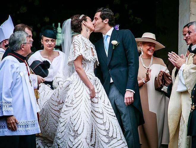 Chiêm ngưỡng 12 mẫu váy cưới đẹp nhất trong lịch sử Hoàng gia các nước Ảnh 24