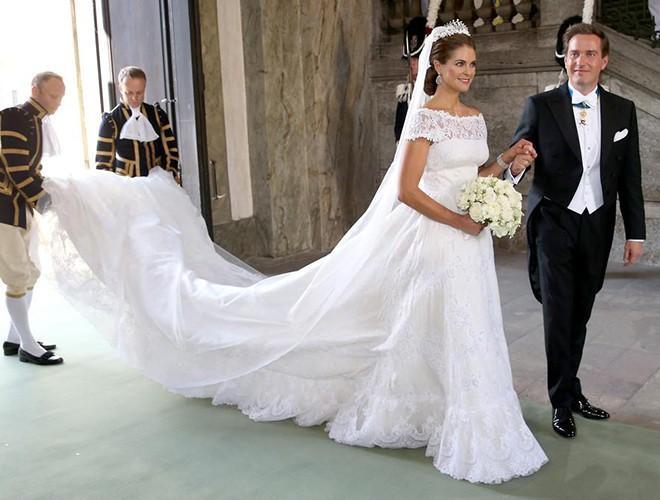 Chiêm ngưỡng 12 mẫu váy cưới đẹp nhất trong lịch sử Hoàng gia các nước Ảnh 7