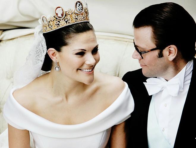 Chiêm ngưỡng 12 mẫu váy cưới đẹp nhất trong lịch sử Hoàng gia các nước Ảnh 14