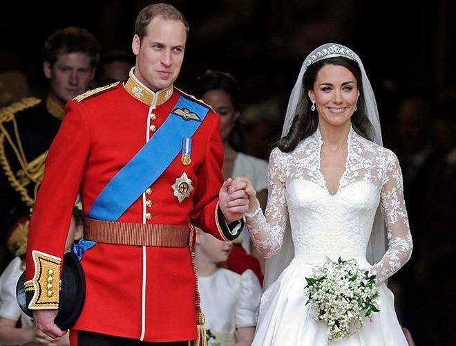 Chiêm ngưỡng 12 mẫu váy cưới đẹp nhất trong lịch sử Hoàng gia các nước Ảnh 16
