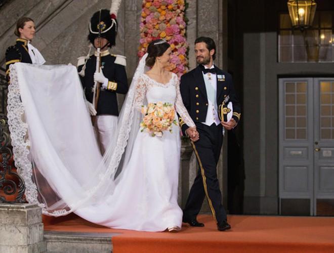 Chiêm ngưỡng 12 mẫu váy cưới đẹp nhất trong lịch sử Hoàng gia các nước Ảnh 9