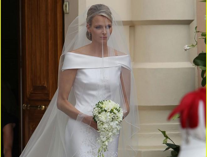 Chiêm ngưỡng 12 mẫu váy cưới đẹp nhất trong lịch sử Hoàng gia các nước Ảnh 19