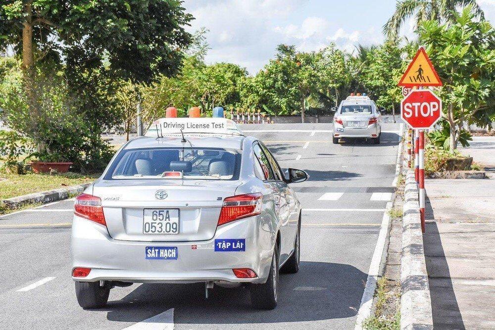 Thi bằng lái xe năm 2020: Đồn học phí cao để lôi kéo người học Ảnh 1
