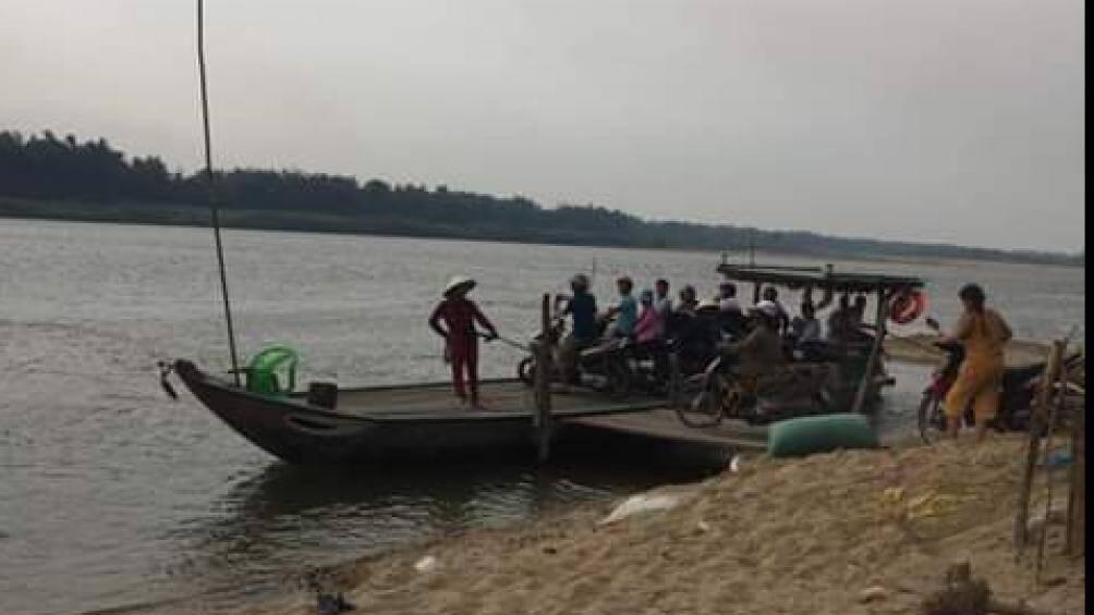 Tin mới vụ chìm đò thảm khốc ở Quảng Nam: Vớt được thi thể 2 mẹ con Ảnh 1