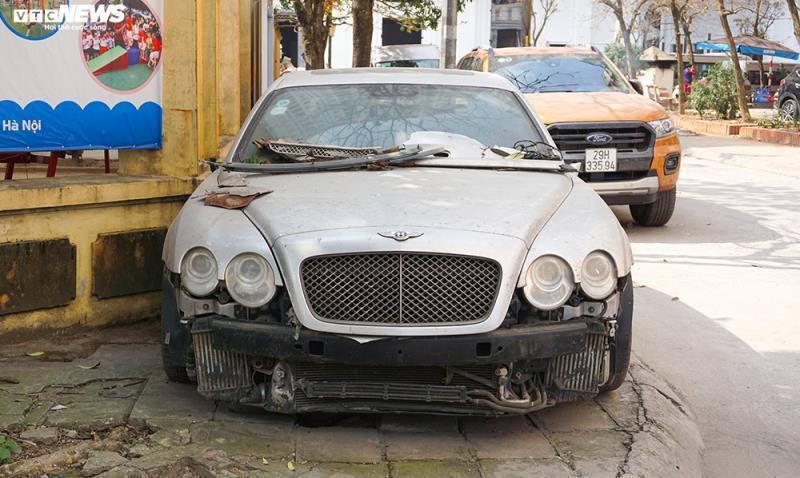 Xe sang Bentley Continental gần 20 tỷ đồng bị 'vứt xó' ở Hà Nội Ảnh 2