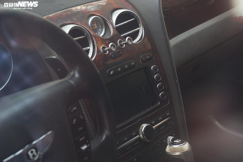 Xe sang Bentley Continental gần 20 tỷ đồng bị 'vứt xó' ở Hà Nội Ảnh 12