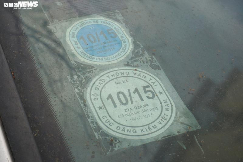 Xe sang Bentley Continental gần 20 tỷ đồng bị 'vứt xó' ở Hà Nội Ảnh 14