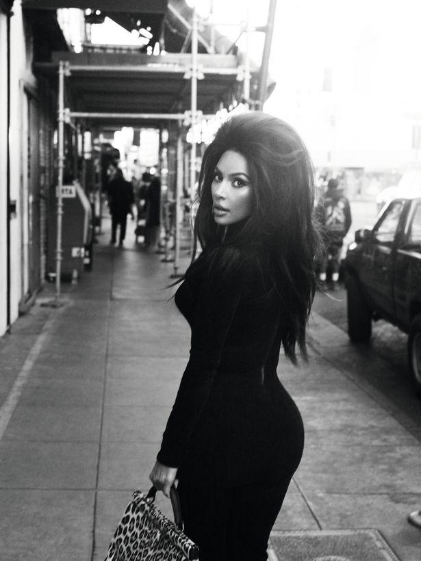 Kim Kardashian và Naomi Campbell trong bộ ảnh tôn vinh vẻ đẹp cổ điển Ảnh 4