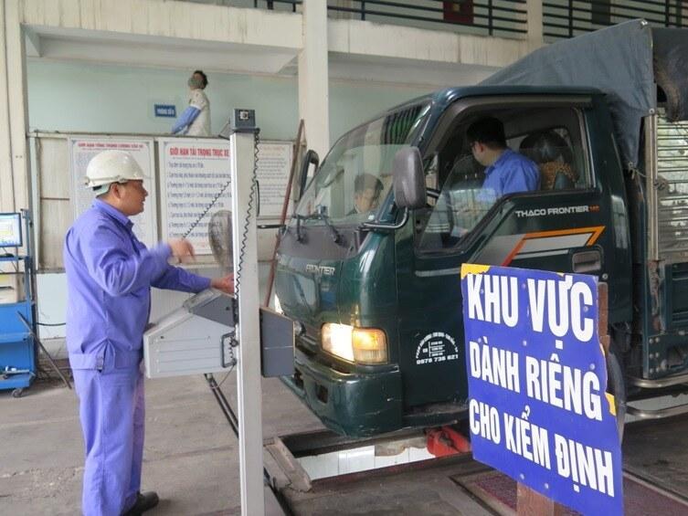 Hơn 6.700 ô tô bị chặn đăng kiểm vì chậm nộp phạt vi phạm giao thông Ảnh 1