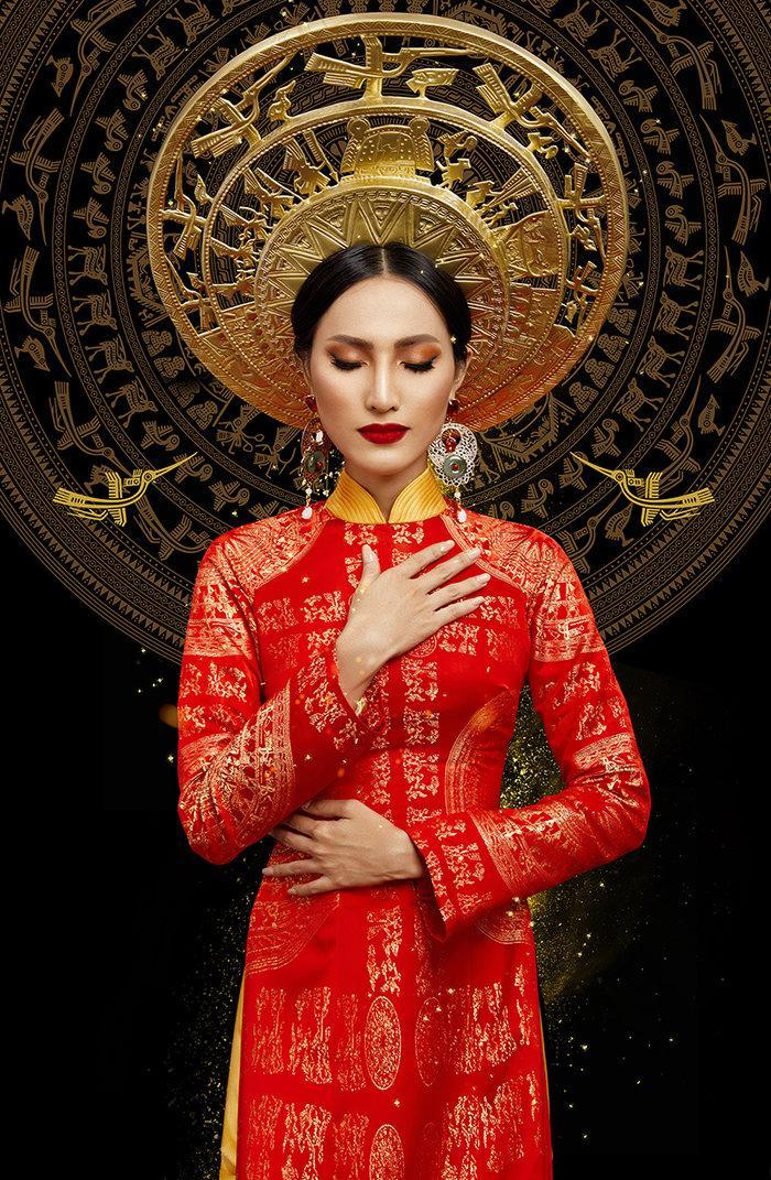 Hé lộ ý nghĩa bộ trang phục dân tộc của Hoài Sa tại Miss International Queen 2020 Ảnh 6