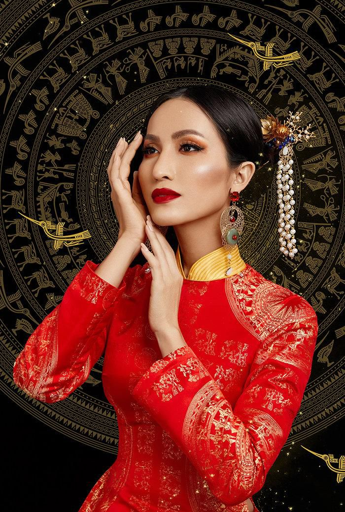 Hé lộ ý nghĩa bộ trang phục dân tộc của Hoài Sa tại Miss International Queen 2020 Ảnh 3