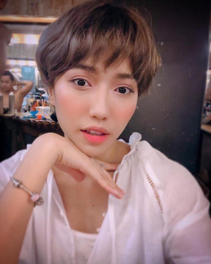 Diệu Nhi đòi 'xuống tóc' giống cô nàng mỹ nhân chuyển giới Lee Joo Young trong 'Itaewon Class' Ảnh 3