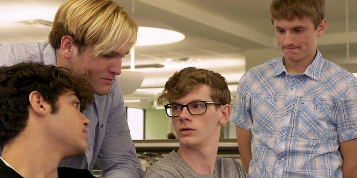 Phim học đường Netflix 'Swiped': Ứng dụng hẹn hò hay một buổi săn tình Ảnh 1