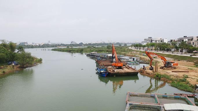 Xây 2 đập tạm ngăn mặn trên sông Cẩm Lệ Ảnh 1