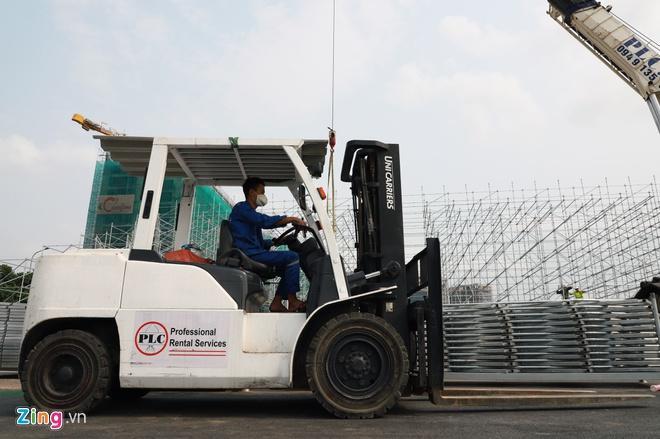 Tháo dỡ khán đài F1 Hà Nội vì tạm hoãn đua xe Ảnh 4