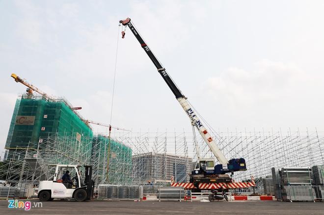 Tháo dỡ khán đài F1 Hà Nội vì tạm hoãn đua xe Ảnh 1