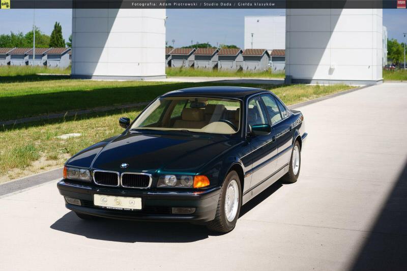 BMW 7 Series 1998 20 năm vẫn như mới nhờ được bảo quản trong kén không khí Ảnh 2