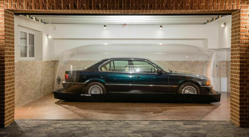 BMW 7 Series 1998 20 năm vẫn như mới nhờ được bảo quản trong kén không khí Ảnh 1