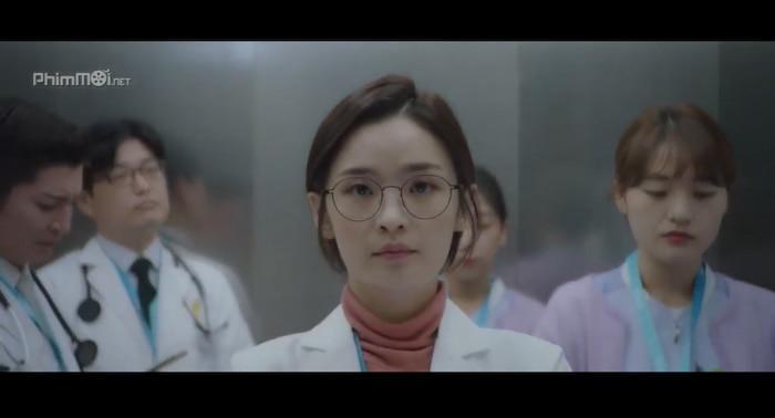 Hospital Playlist (Chuyện đời bác sĩ): Bóng hồng duy nhất thất tình và hội bạn thân lại rủ nhau ế bền vững Ảnh 3