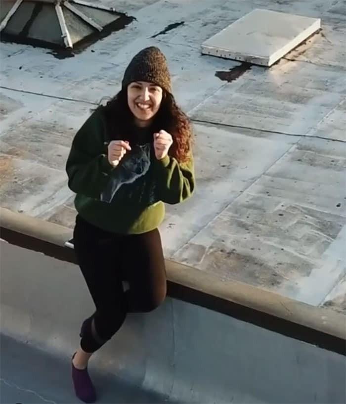 Ở nhà tránh dịch, thanh niên FA cưa đổ cô gái tòa nhà kế bên bằng fly-cam Ảnh 7