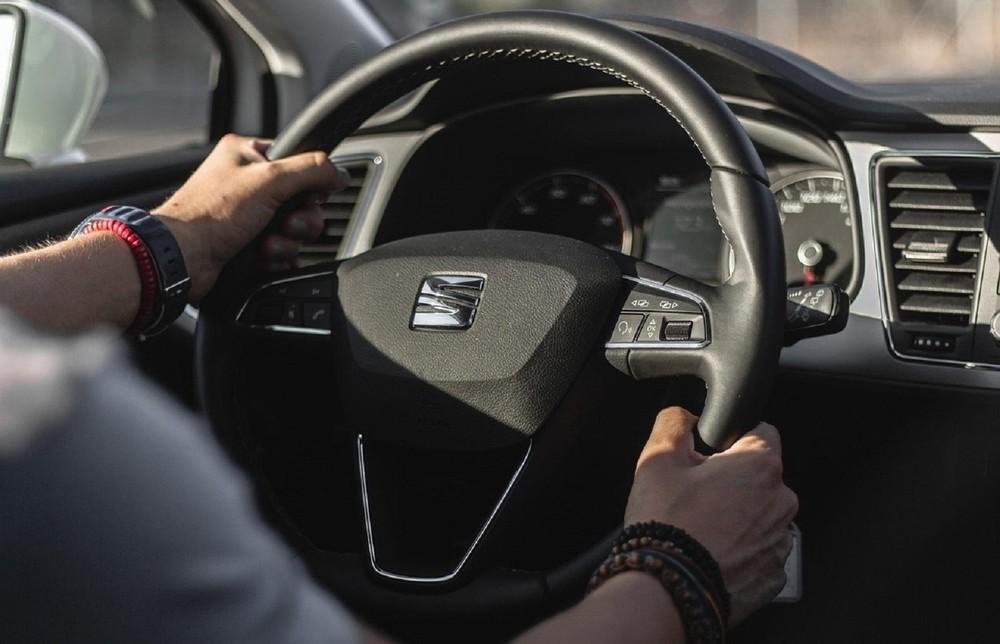 Những sai lầm trong bảo dưỡng ô tô khiến 'tiền mất, tật mang' Ảnh 1
