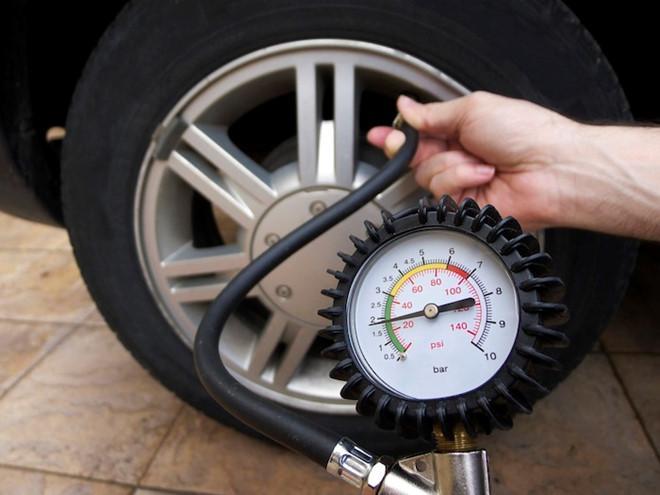 Những sai lầm trong bảo dưỡng ô tô khiến 'tiền mất, tật mang' Ảnh 4