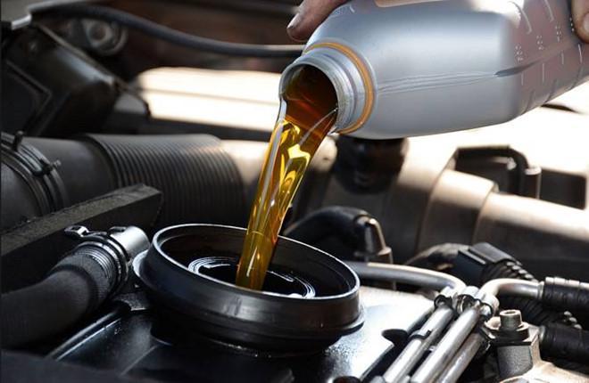 Những sai lầm trong bảo dưỡng ô tô khiến 'tiền mất, tật mang' Ảnh 2