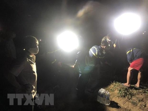 Lật thuyền khi đang livestream trên hồ thủy điện, 3 thanh niên tử vong Ảnh 1