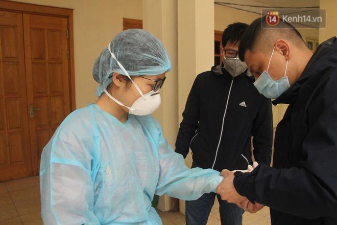 Hà Nội bắt đầu đón bệnh nhân làm xét nghiệm nhanh COVID-19, cho kết quả trong 10 phút Ảnh 5