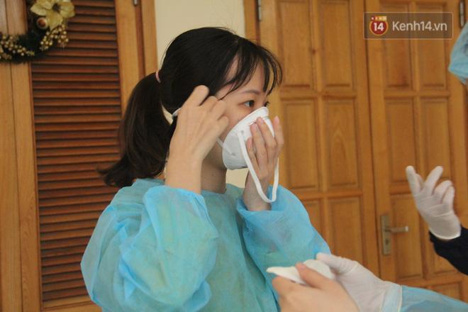 Hà Nội bắt đầu đón bệnh nhân làm xét nghiệm nhanh COVID-19, cho kết quả trong 10 phút Ảnh 6
