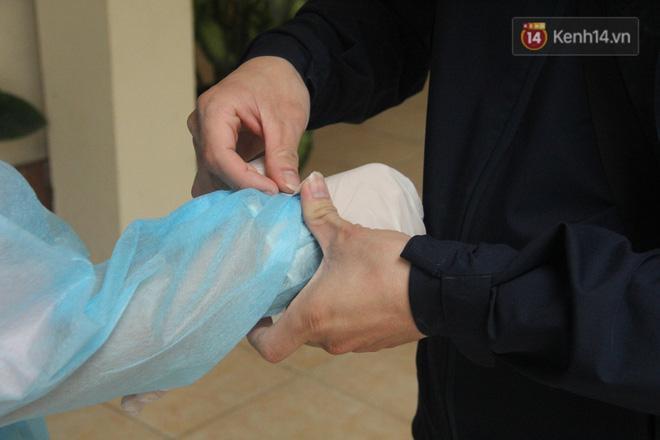 Hà Nội bắt đầu đón bệnh nhân làm xét nghiệm nhanh COVID-19, cho kết quả trong 10 phút Ảnh 7
