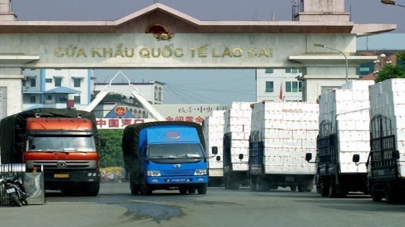 Vẫn còn tồn 1.124 xe hàng hóa ở cửa khẩu biên giới với Trung Quốc Ảnh 1
