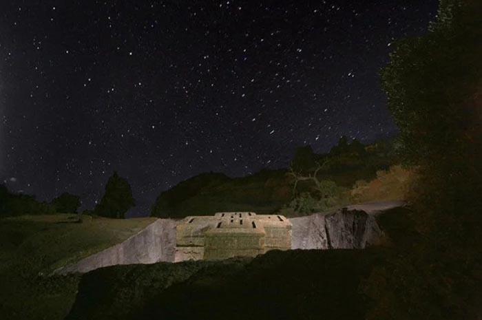 Những điều kỳ lạ xảy ra xung quanh nhà thờ bí ẩn 800 năm tuổi Ảnh 8